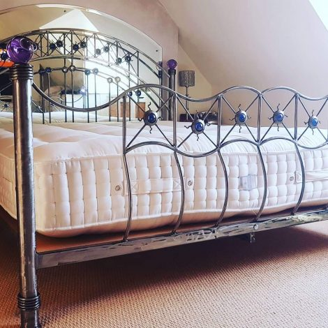 6 foot x 7 foot crystal ball bed